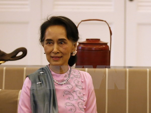 Myanmar State Counselor holds talks with Chinese Premier hinh anh 1
