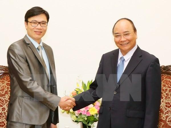 Prime Minister meets France-based Vietnamese professor hinh anh 1