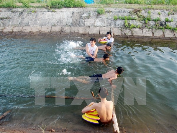 Project teaches swimming to thousands of kids in Thua Thien – Hue hinh anh 1