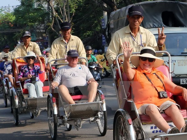 Vietnam welcomes 6.5 mln foreign visitors in eight months hinh anh 1