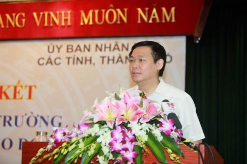 More localities pledge to create favourable business climate hinh anh 1