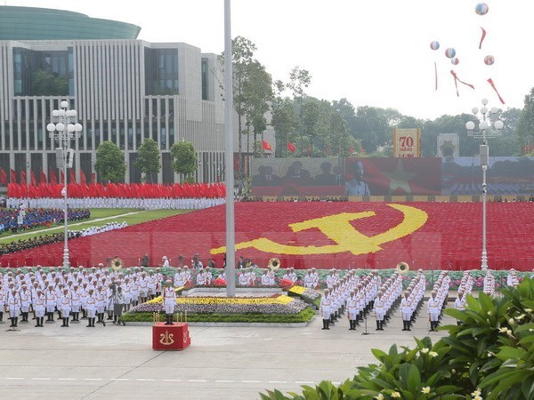 Country leaders congratulate Vietnam's National Day hinh anh 1