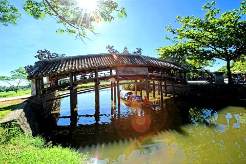 Roof-tiled bridge in Thua Thien Hue to get renovation hinh anh 1