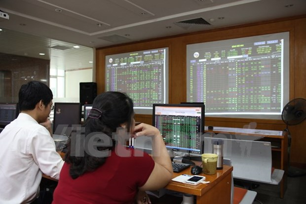 Shares sink, ending four-day rally hinh anh 1