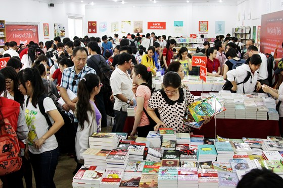 Autumn book fair to highlight digital books hinh anh 1