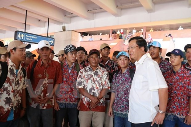 Indonesia to return over 200 Vietnamese fishermen hinh anh 1