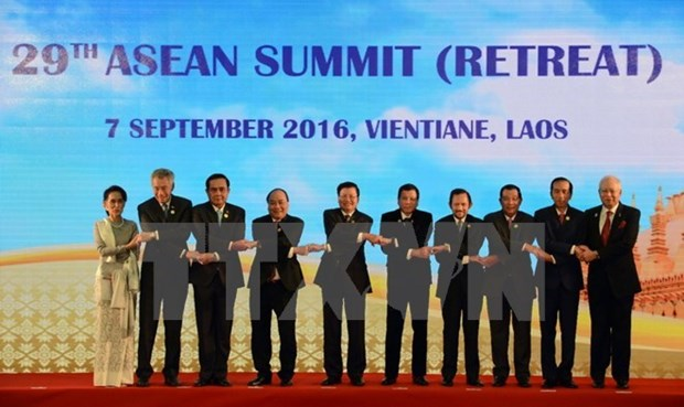 Deputy FM: Vietnam responsibly contributes to ASEAN summits hinh anh 1