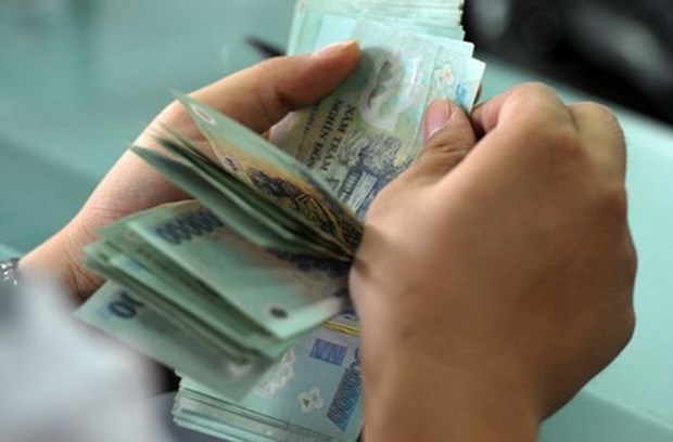 Vietnam agrees 7.3-percent minimum wage increase hinh anh 1
