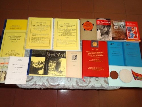 Documents on President Ho Chi Minh donated hinh anh 1