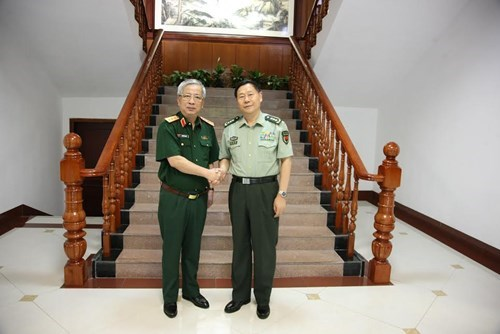 Vietnam, China continue to bolster cross-border defence exchanges hinh anh 1