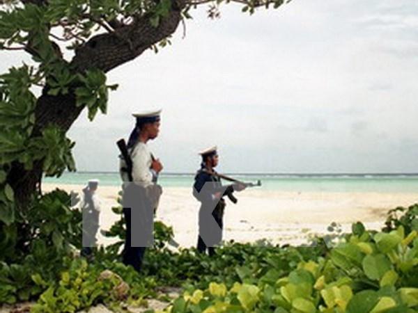 HCM City: 40 billion VND raised for island, border people hinh anh 1
