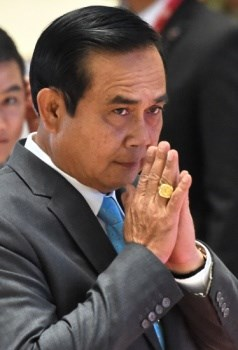Thailand to end trial of civilians by military courts hinh anh 1