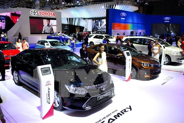 Nearly 100 car models on display at Vietnam Motor Show in Hanoi hinh anh 1
