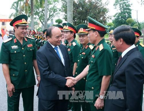 Prime Minister visits Military Zone 3 hinh anh 1