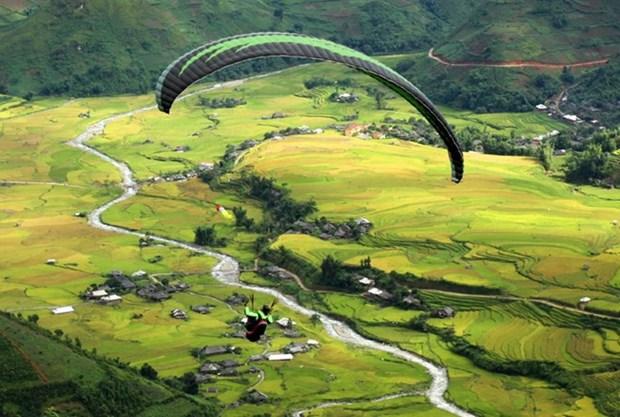 Paragliding festival kicks off in Yen Bai hinh anh 1
