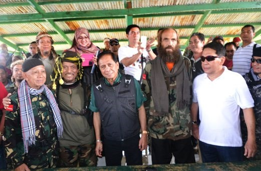 Philippines: Abu Sayyaf militants release 4 foreign hostages hinh anh 1