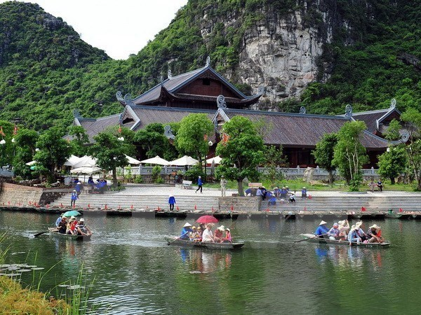 Ninh Binh seeks to promote Trang An landscape complex values hinh anh 1