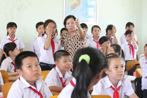 Children in Ba Ria–Vung Tau, Thai Nguyen receive support hinh anh 1