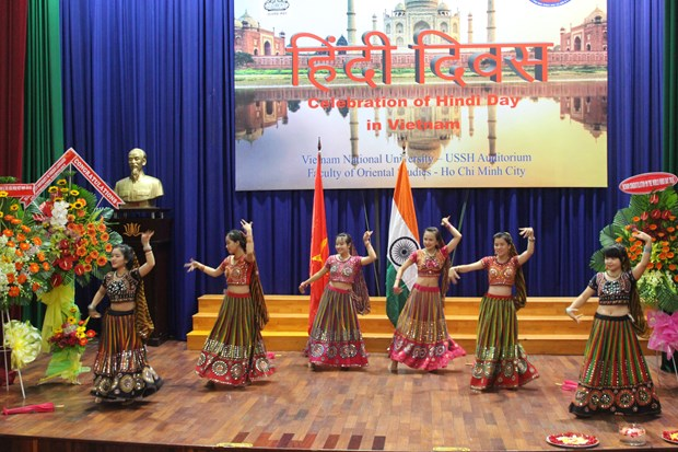 India's Hindi language promoted in Vietnam hinh anh 1