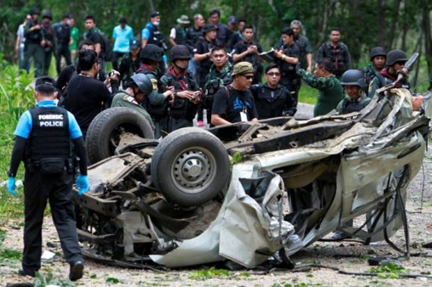 Bomb kills three police officers in southern Thailand hinh anh 1
