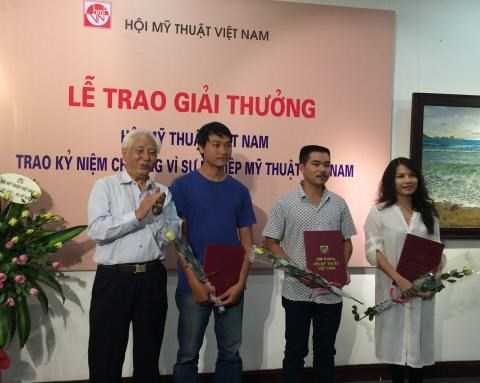 2016 Fine Arts Awards presented hinh anh 1