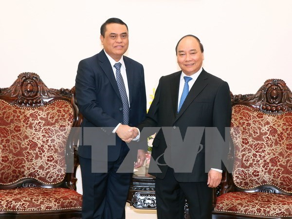PM suggests reinforced security links with Indonesia hinh anh 1