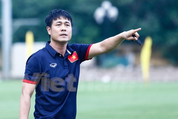 Players begin intensive training for AFF Cup hinh anh 1