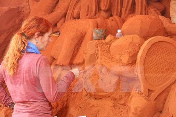 Binh Thuan: Sand statue park seeks to lure visitors hinh anh 1