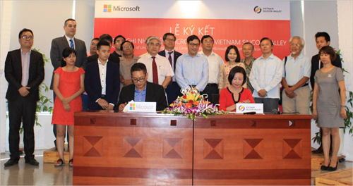 Microsoft Vietnam, Vietnam Silicon Valley sign MoU hinh anh 1