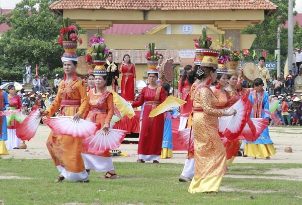 Cham community celebrates Kate festival hinh anh 1