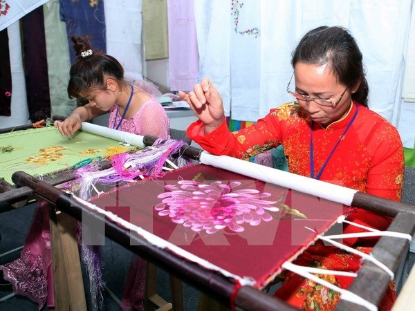 Hanoi promotes traditional trade villages hinh anh 1