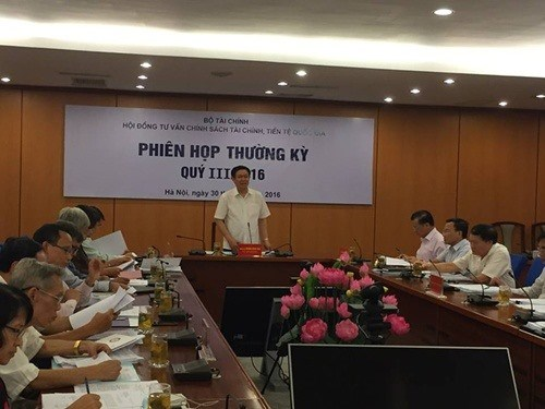Vietnam must be more competitive: report hinh anh 1