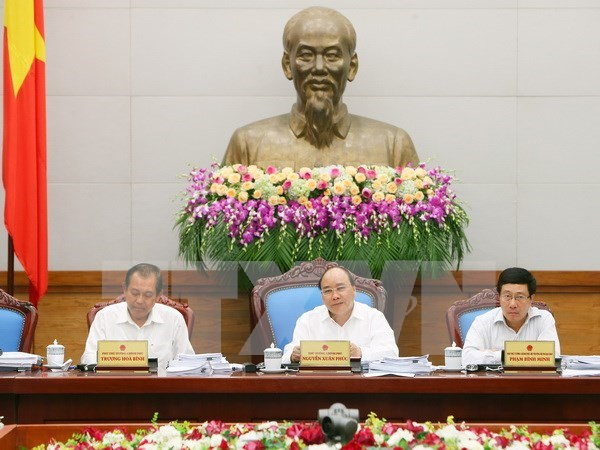 Greater efforts needed to reach growth target: Cabinet meeting hinh anh 1