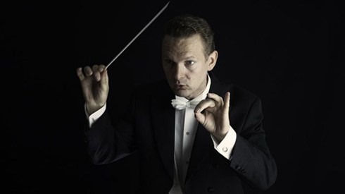 Norwegian conductor comes to HCM City hinh anh 1
