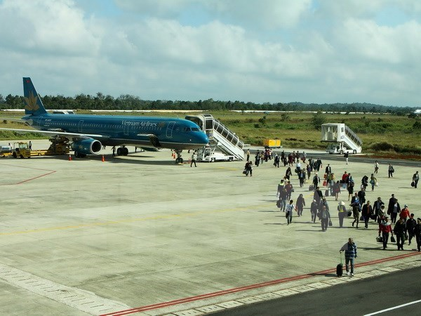 ASEAN officials discuss single aviation market hinh anh 1