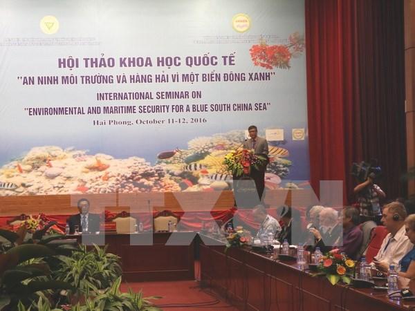 Seminar seeks measures to ensure environmental security in East Sea hinh anh 1