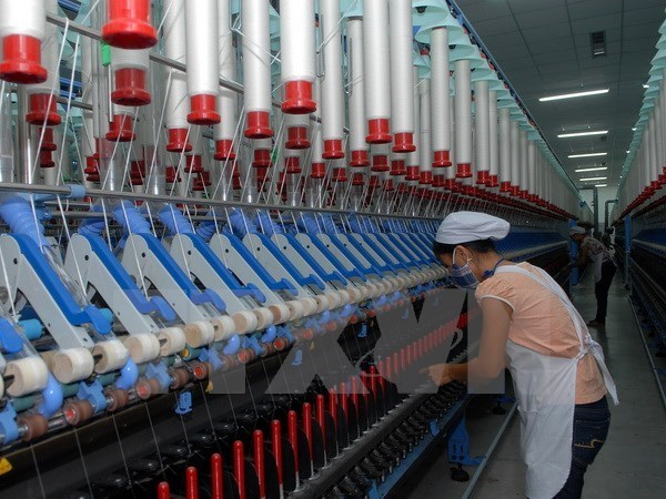 Seminar discusses EVFTA's impacts on labour sector hinh anh 1
