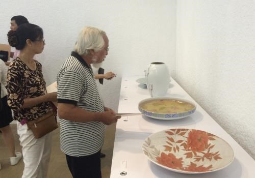 Japanese pottery exhibition opens in HCM City hinh anh 1