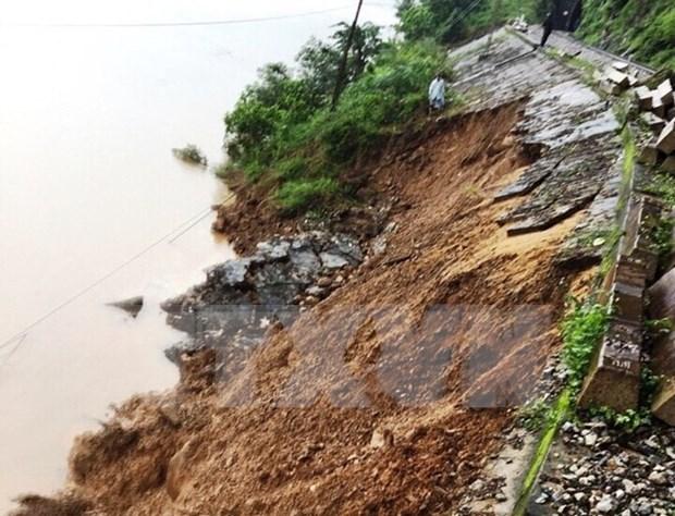 Landslides in Quang Binh shut down North-South railway hinh anh 1
