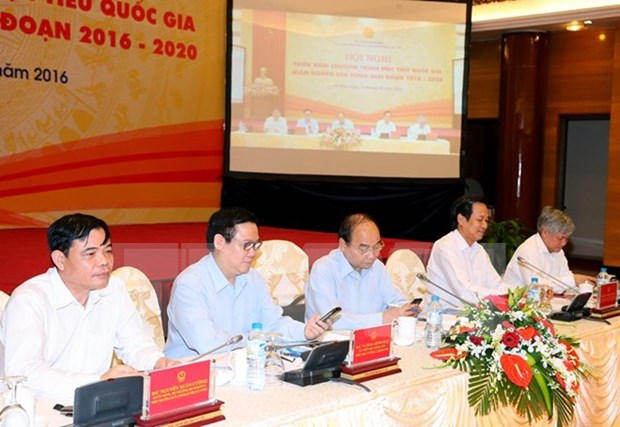 PM launches national movement to support the poor hinh anh 1