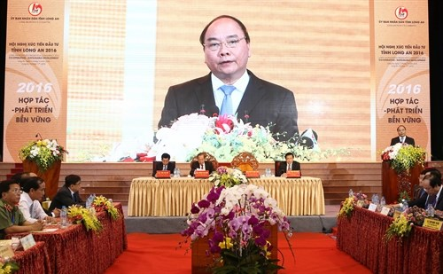 PM, Long An province pledge maximum support for investors hinh anh 1