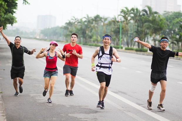 Marathon to raise funds for the poor in Hanoi hinh anh 1