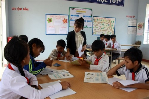 Quang Ngai improves education for ethnic students hinh anh 1