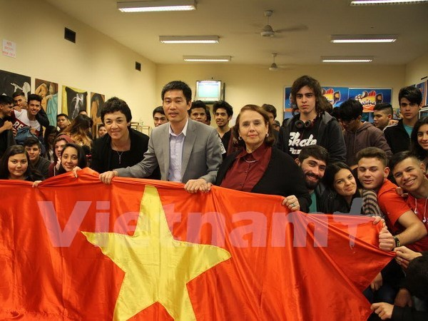 Vietnam's image promoted in Argentina hinh anh 1