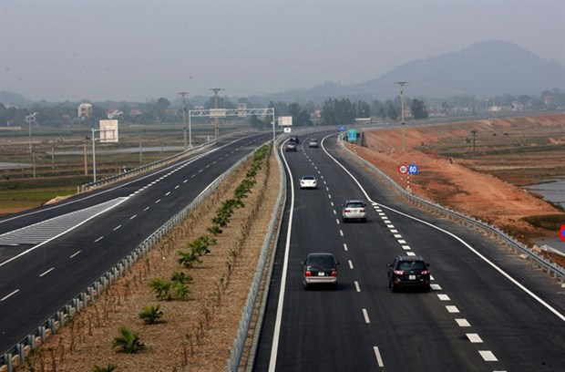 Vietnam cross-border road transport needs major upgrade hinh anh 1