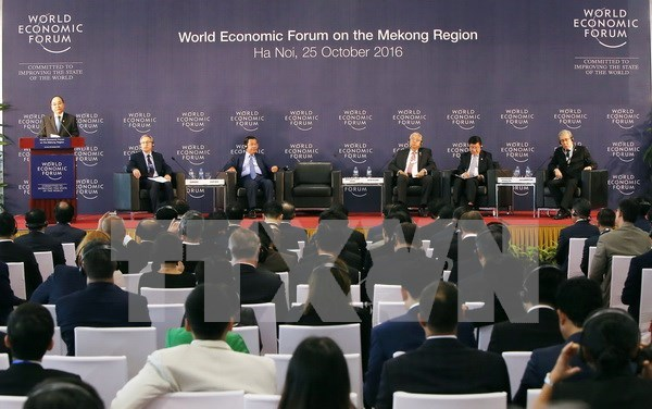 PM stresses economic, infrastructure connectivity in Mekong region hinh anh 1
