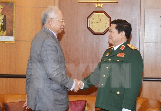 Malaysian PM supports defence cooperation with Vietnam hinh anh 1