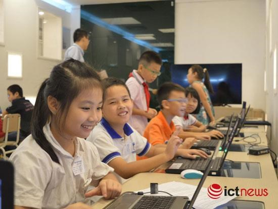 Hanoi: Fourth graders win WeCode contest hinh anh 1