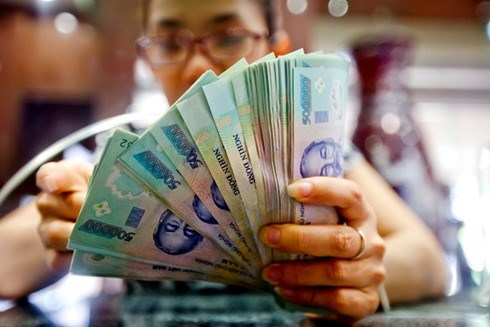 Reference exchange rate goes down 6 VND hinh anh 1