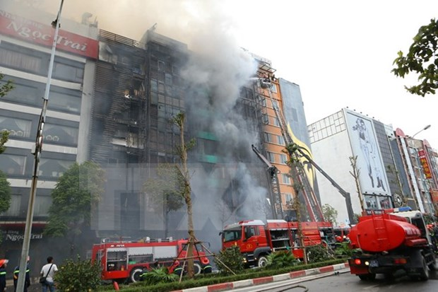 Hanoi karaoke bar blaze kills at least 13 hinh anh 1